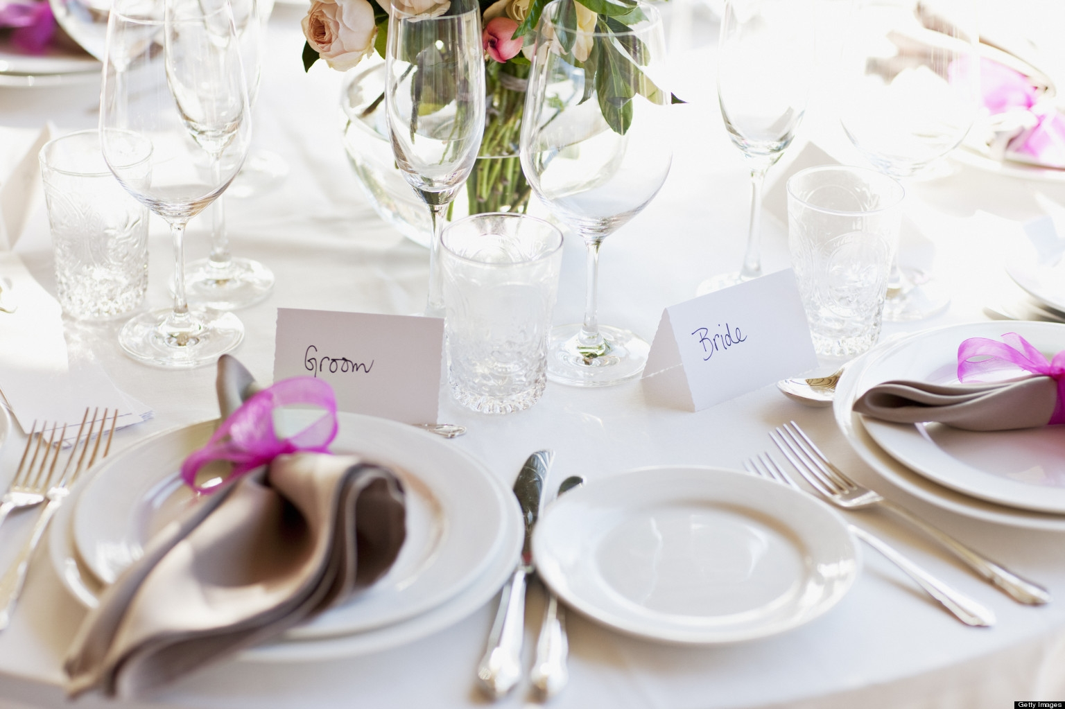 How to Plan to Cut the Wedding Catering Costs?
