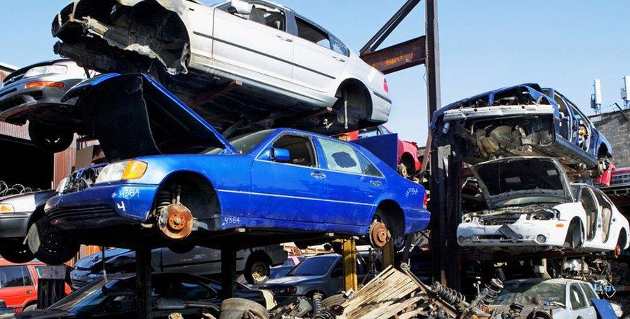 4 Factors that Contribute to the Value of Your Old Vehicle for a Recycler in Melbourne