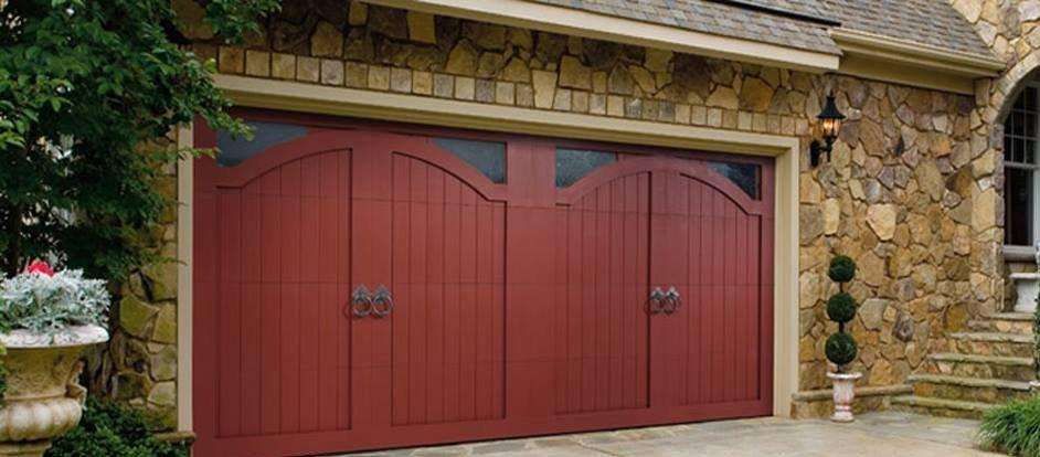 All You Need To Know To Hire The Right Kind Of Garage Door Repair Service