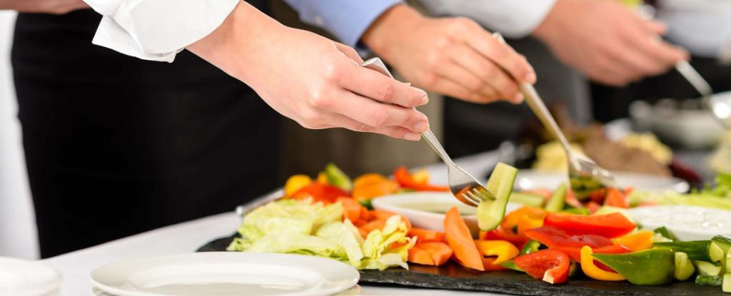 4 Food Prep Hacks to Learn from Professional Caterers
