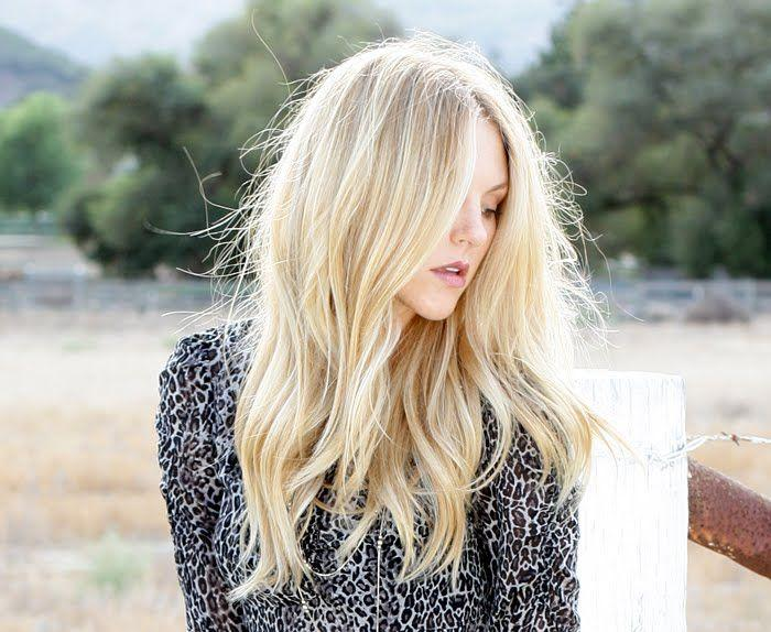 HAIR HOW TO: THE PERFECT CALIFORNIA ROMANTIC WAVES