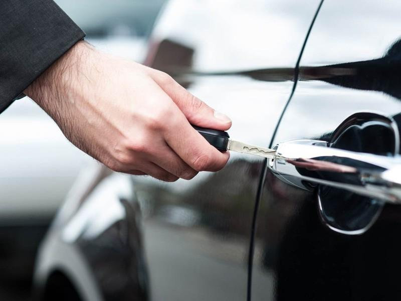 Imperative Reasons To Hire Professional Automotive Locksmith Service