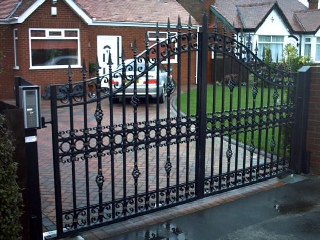 Steel VS Wrought Iron Gates - What Is The Difference?