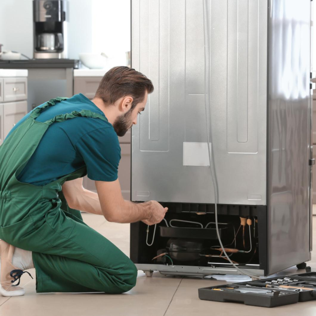 Four Reasons To Hire A Professional Refrigerator Repair Company