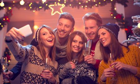 4 ways for hanging out with friends on a budget