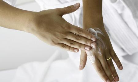 6 Amazing Tips to Get Soft Hands Permanently