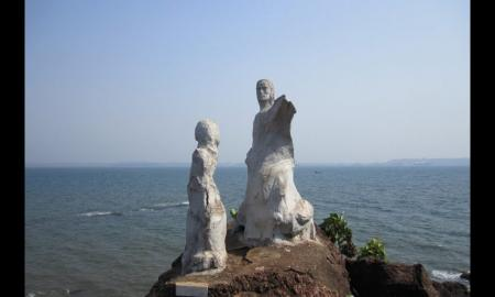Must Go Once in this Lifetime with your Love to Dona Paula Beach !