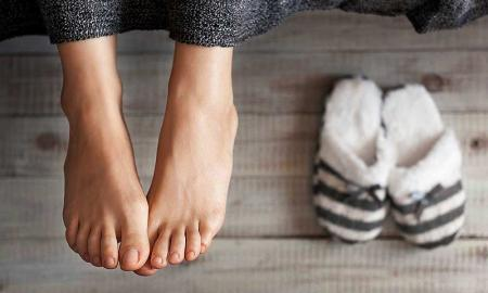 5 Simple Hacks to Take Good Care of Your Feet in Winter