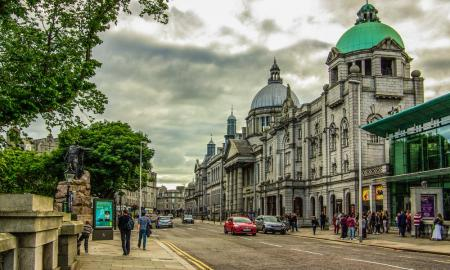 What are the Best Markets for Students to Visit in Aberdeen
